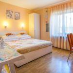 Apartmanok és Szobák Parkolóhellyel Vrbnik Krk - 5302 Vrbnik