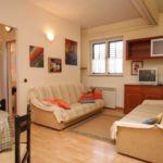 Apartman s klimatizací s terasou pro 6 os. se 2 ložnicemi A-2264-b