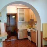 Kerthelyiséggel saját konyhával 4 fős üdülőház (pótágyazható)