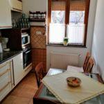 Apartament 4-osobowy cały dom z własną kuchnią z 2 pomieszczeniami sypialnianymi (możliwa dostawka)