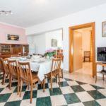 Apartament cu aer conditionat cu vedere spre mare cu 4 camere pentru 10 pers.