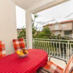 Apartament cu aer conditionat cu balcon cu 2 camere pentru 4 pers.