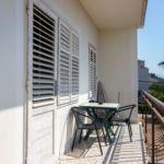 Apartament cu aer conditionat cu vedere spre mare cu 3 camere pentru 7 pers.