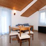 Apartament cu aer conditionat cu balcon cu 1 camera pentru 5 pers. A-8733-b