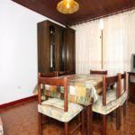 Apartament cu aer conditionat cu terasa cu 2 camere pentru 5 pers. A-6732-b