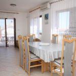 Apartament cu aer conditionat cu vedere spre mare cu 2 camere pentru 6 pers. A-6223-a