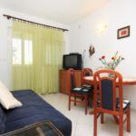 Apartman s klimatizací s terasou pro 4 os. se 2 ložnicemi A-5777-a