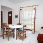 Apartament cu aer conditionat cu vedere spre mare cu 2 camere pentru 5 pers. A-6272-c