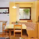 Apartament 4-osobowy z klimatyzacją z widokiem na morze z 1 pomieszczeniem sypialnianym AS-5325-a