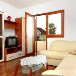 Apartament cu aer conditionat cu vedere spre mare cu 2 camere pentru 6 pers. A-4197-b