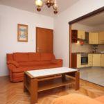 Apartman s klimatizací s terasou pro 6 os. se 3 ložnicemi A-6452-a