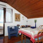 Apartman s klimatizací pro 4 os. se 2 ložnicemi s výhledem na moře A-5734-a