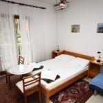 Camera tripla cu aer conditionat cu terasa S-2178-d