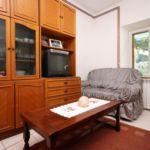 Apartman s klimatizací s terasou pro 4 os. s 1 ložnicí A-9329-b