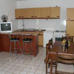 Apartament cu aer conditionat cu vedere spre mare cu 2 camere pentru 5 pers. A-1011-b