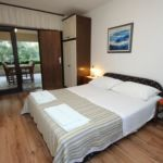 Pokoj s klimatizací s terasou s manželskou postelí S-7170-b