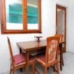 Apartament cu aer conditionat cu vedere spre mare cu 1 camera pentru 3 pers. A-887-b