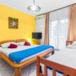 Apartament 3-osobowy z klimatyzacją z tarasem z 1 pomieszczeniem sypialnianym AS-4231-a