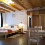 Premium Családi franciaágyas szoba (pótágyazható)