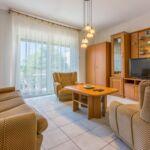Apartman s klimatizací pro 4 os. se 2 ložnicemi v přízemí (s možností přistýlky)