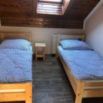 Camera twin cu baie comuna