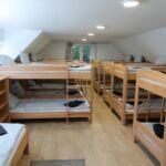 Erdőre néző tetőtéri 20 ágyas szoba