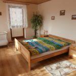 Rezydencja pokój 6-osobowy na piętrze z balkonem z 2 pomieszczeniami sypialnianymi (możliwa dostawka)
