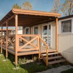 Cabana familial(a) cu terasa pentru 5 pers. (se inchirieaza doar integral)