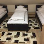 Tetőtéri egyágyas szoba (pótágyazható)