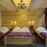 Balkonos fürdőszobás négyágyas szoba (pótágyazható)