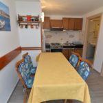 Apartman s klimatizací pro 5 os. se 2 ložnicemi s výhledem na moře A-5391-a
