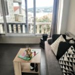 Apartament 6-osobowy z klimatyzacją z tarasem z 2 pomieszczeniami sypialnianymi A-11926-a