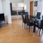 Apartament cu aer conditionat cu vedere spre mare cu 2 camere pentru 6 pers. A-12313-c