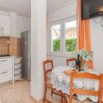 Apartman s klimatizací s terasou pro 4 os. s 1 ložnicí A-14422-c