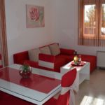 Apartament cu balcon cu aer conditionat cu 2 camere pentru 4 pers.