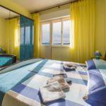 Apartman s klimatizací s manželskou postelí s 1 ložnicí s výhledem na moře