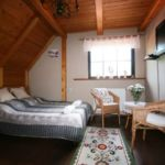 Folyóra néző hegyekre néző franciaágyas szoba (pótágyazható)