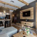 Apartament 4-osobowy na parterze z widokiem na las z 2 pomieszczeniami sypialnianymi
