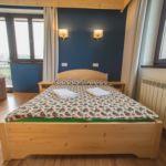 Apartament cu balcon cu vedere spre munte cu 3 camere pentru 10 pers.