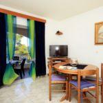 Apartament cu aer conditionat cu vedere spre mare cu 1 camera pentru 4 pers. A-544-b
