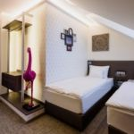 Emeleti Deluxe kétágyas szoba (pótágyazható)