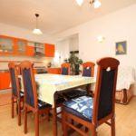 Apartament cu aer conditionat cu terasa cu 3 camere pentru 7 pers. A-8266-a