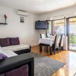 Apartament 9-osobowy z klimatyzacją z widokiem na morze z 3 pomieszczeniami sypialnianymi K-7539