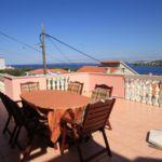 Apartament cu aer conditionat cu vedere spre mare cu 4 camere pentru 9 pers. K-8429