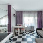 Apartament la etaj cu balcon cu 2 camere pentru 4 pers.