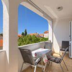 Apartament 4-osobowy z klimatyzacją z balkonem z 1 pomieszczeniem sypialnianym