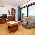 Apartament cu aer conditionat cu vedere spre mare cu 3 camere pentru 7 pers. A-9269-a