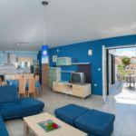 Apartament cu aer conditionat cu vedere spre mare cu 2 camere pentru 6 pers. A-15242-d