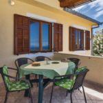 Apartman s klimatizací pro 5 os. se 2 ložnicemi s výhledem na moře A-15617-a