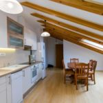Apartament cu aer conditionat cu 2 camere pentru 6 pers. A-15665-b
